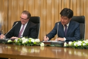 {:en}The signing ceremony for bilateral agreements with OECD and ASPA, Astana, 04/04/16{:}{:ru}Церемония подписания двусторонних соглашений (ОЭСР, ASPA), Астана, 04/04/16{:}{:kz}{:}